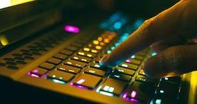"""MF ostrzega: Oszuści rozsyłają fałszywe maile  z tytułem """"Zaległe płatności podatku"""""""