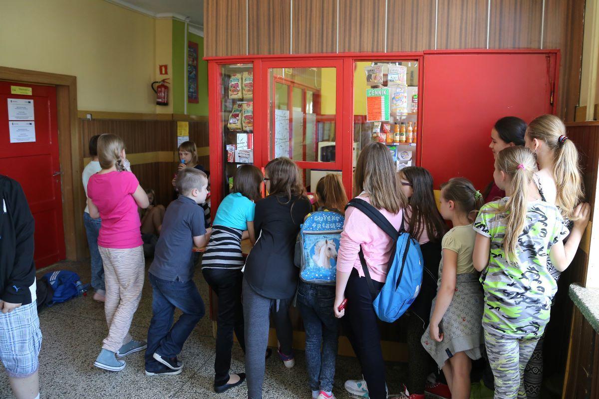 Pomoc z Tarczy antykryzysowej dla sklepików szkolnych
