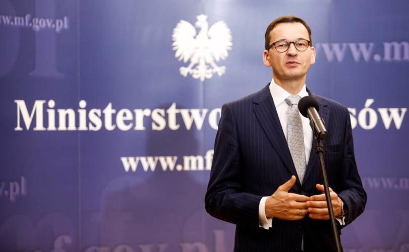 Premier Morawiecki: Mniejsze składki ZUS dla firm o niskich przychodach
