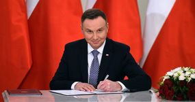Prezydent podpisał ustawę o obniżce stawki PIT do 17 proc.