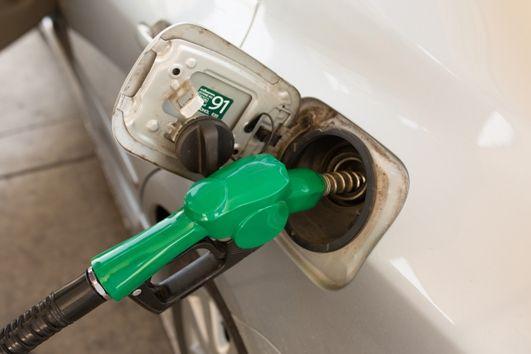Dłuższe konsultacje ws. opodatkowania VAT transakcji z wykorzystaniem kart paliwowych