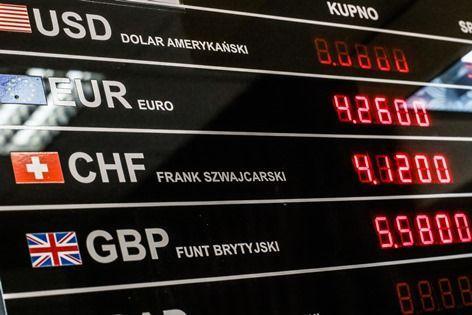 Wahania euro, franka i innych walut odbijają się na różnicach kursowych przedsiębiorców