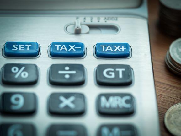 Stawki VAT w wysokości 23% i 8% w 2021 r.