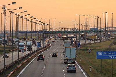 25% zniżki we wrześniu dla przewoźników zarejestrowanych w e-Toll na przejazdy autostradą