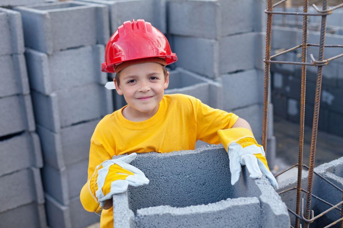 Zarobki dziecka a PIT 2022