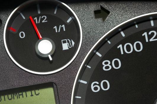 VAT od kart paliwowych - interpretacja ogólna konieczna czy wystarczy TSUE?