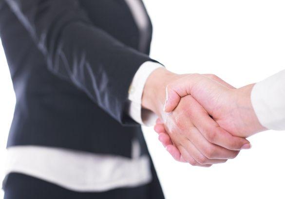 Zawieranie umów z kontrahentami
