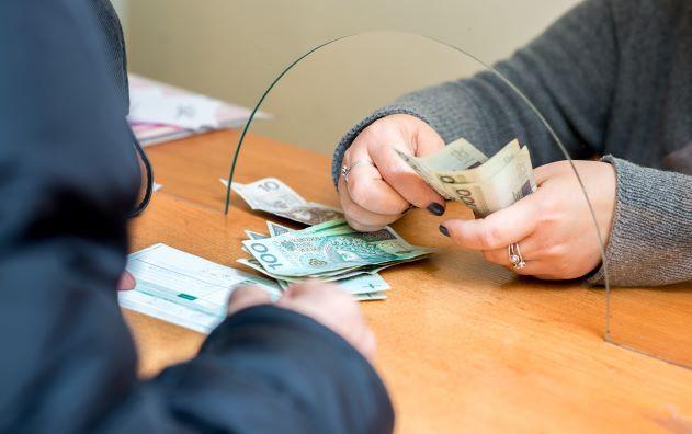Rezygnacja zZFŚS iwypłaty świadczenia urlopowego umałego pracodawcy