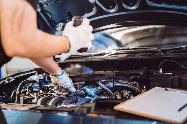 Kontrola sprzedających części samochodowe w Internecie