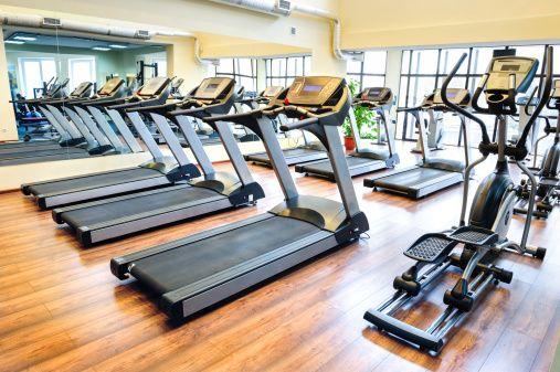 Karnety na siłownie, karnety na basen a stawka VAT