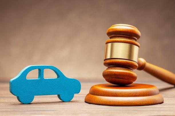 Koszty paliwa a przychód pracownika wykorzystującego auto służbowe prywatnie. Interpretacja ogólna MF