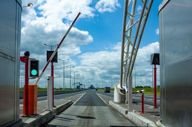 Bramki na autostradach znikną. Nowy sposób poboru opłat