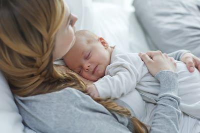 Chorobowe po macierzyńskim. O czym musi pamiętać przedsiębiorcza mama?
