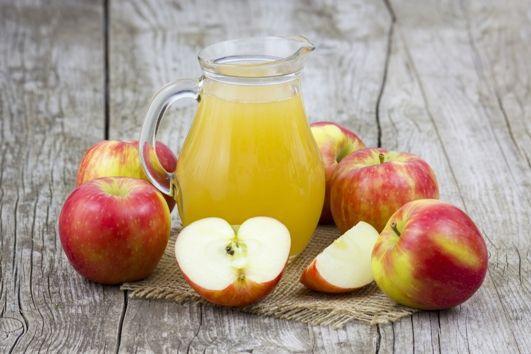 Wyższa stawka VAT na soki owocowe? MF tłumaczy się dlaczego