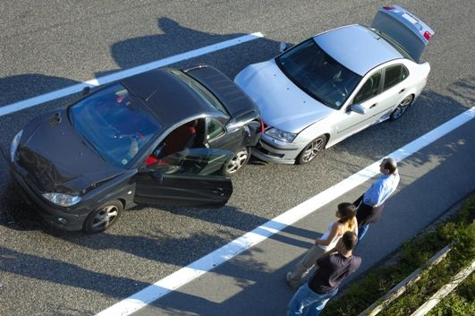 Kto zapłaci za wypadek służbowym autem pracownika?