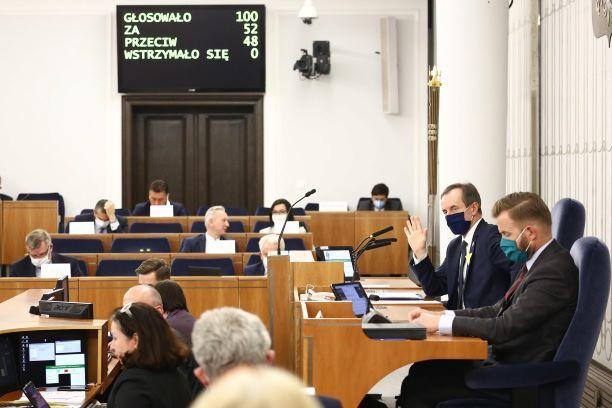Senat rozpatrzy poprawki do Tarczy 4.0
