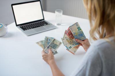 Dofinansowania i pomoc dla firm dotkniętych Covid-19 dostępne w październiku 2020 r.