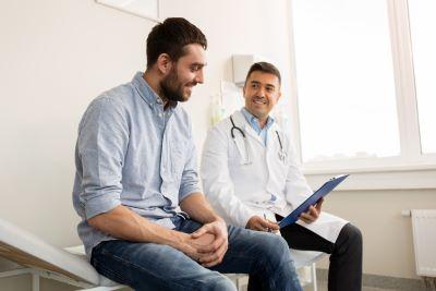 Obowiązek wykonywania okresowych badań lekarskich w trakcie epidemii – jest stanowisko rządu i GIP