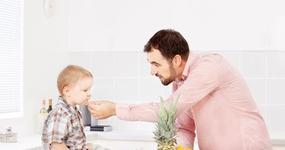Przy jednym dziecku dochód z indywidualnych deklaracji rodziców należy sumować