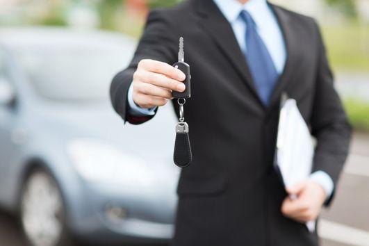 Sprzedaż środka trwałego będącego autem osobowym