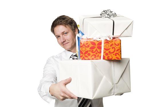Prezenty bożonarodzeniowe dla pracowników - podatek PIT i składki ZUS