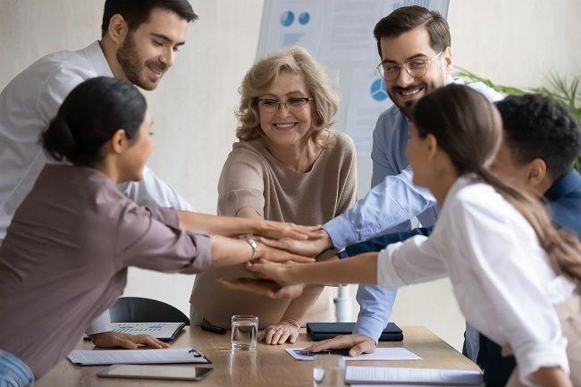 współpracownicy zatrudnienie, składki
