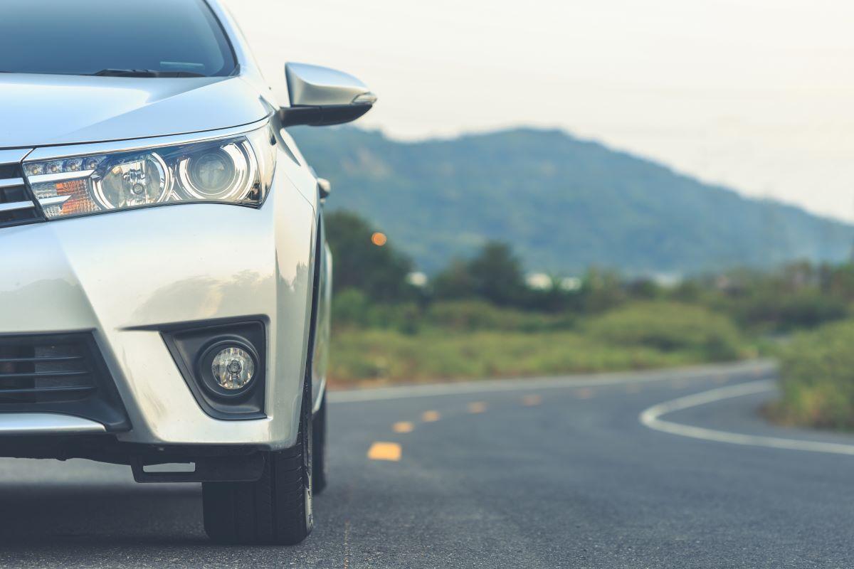Wykorzystywanie służbowego auta do celów prywatnych a PIT