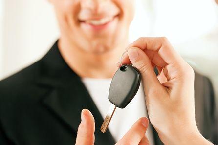Sprzedaż samochodu wycofanego z działalności a podatek VAT