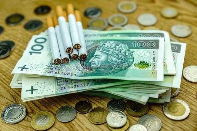 Wzrost stawek akcyzy na papierosy i alkohol od 2022 r.