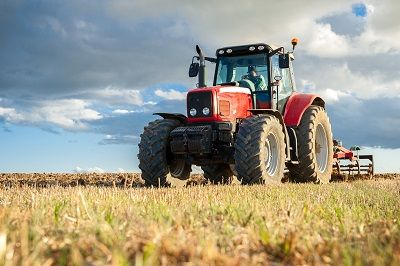 Zwrot akcyzy dla rolnika: 1 zł za litr wykorzystanego w gospodarstwie oleju napędowego w 2021 r.