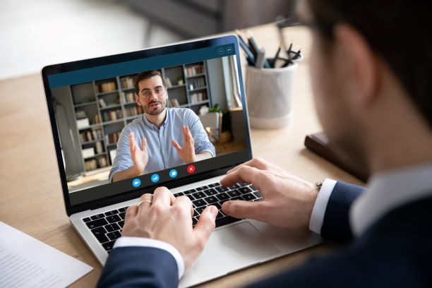 6 tys. e-wizyt w ZUS. Porozmawiaj z urzędnikiem przez video komunikator