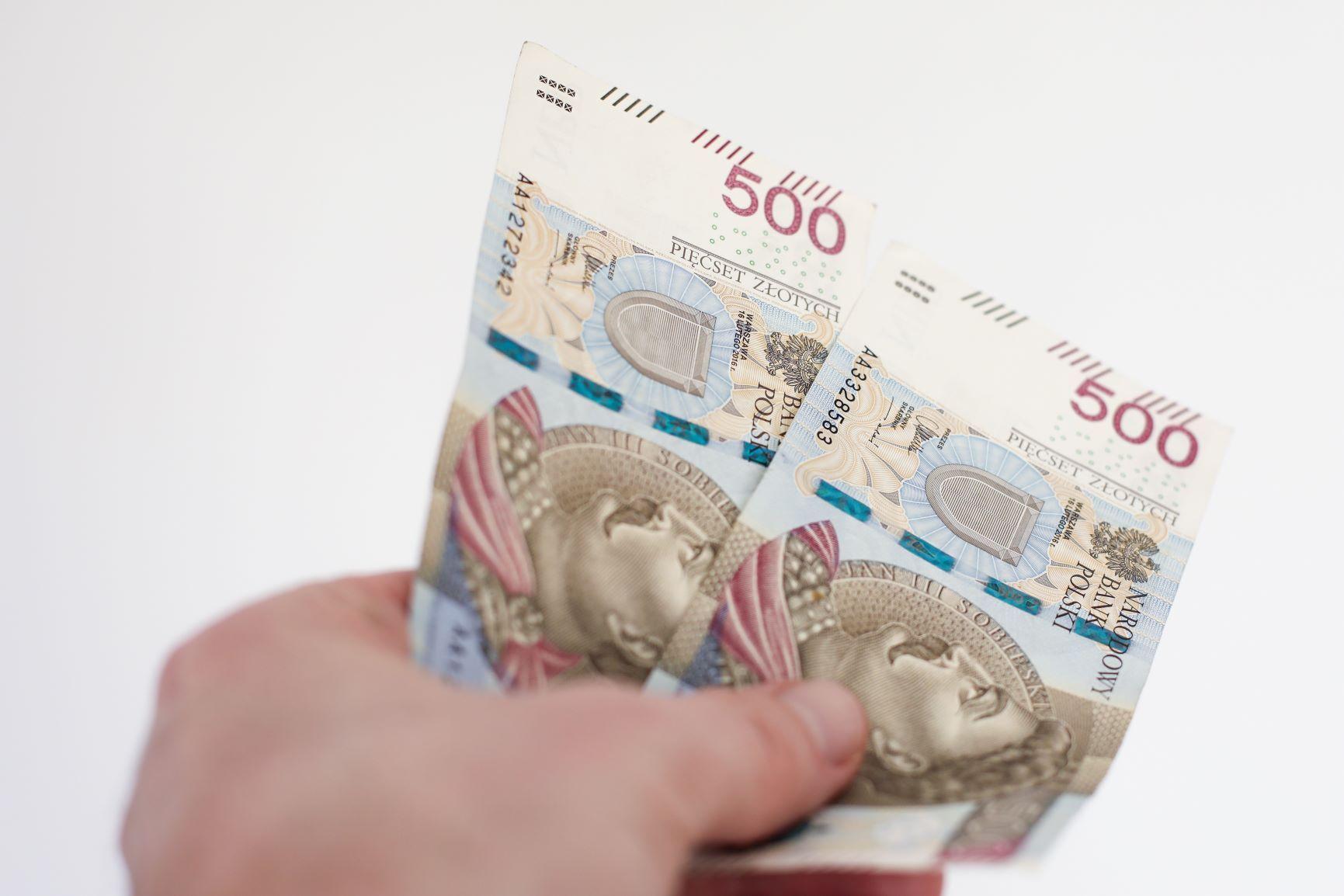Skutki podatkowe otrzymania darowizny dla osoby prawnej i osoby fizycznej prowadzącej działalność gospodarczą