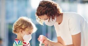 Koniec z zasiłkami opiekuńczym dla rodziców? Zasiłek od 13 maja może nie być już wypłacany