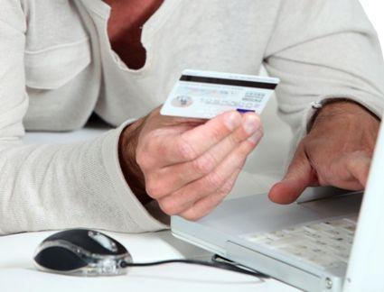 Transakcje dokonywane kartami płatniczymi w księgach