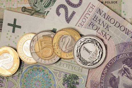 Rząd zgodził się na podwyżkę emerytur i rent w 2017 roku