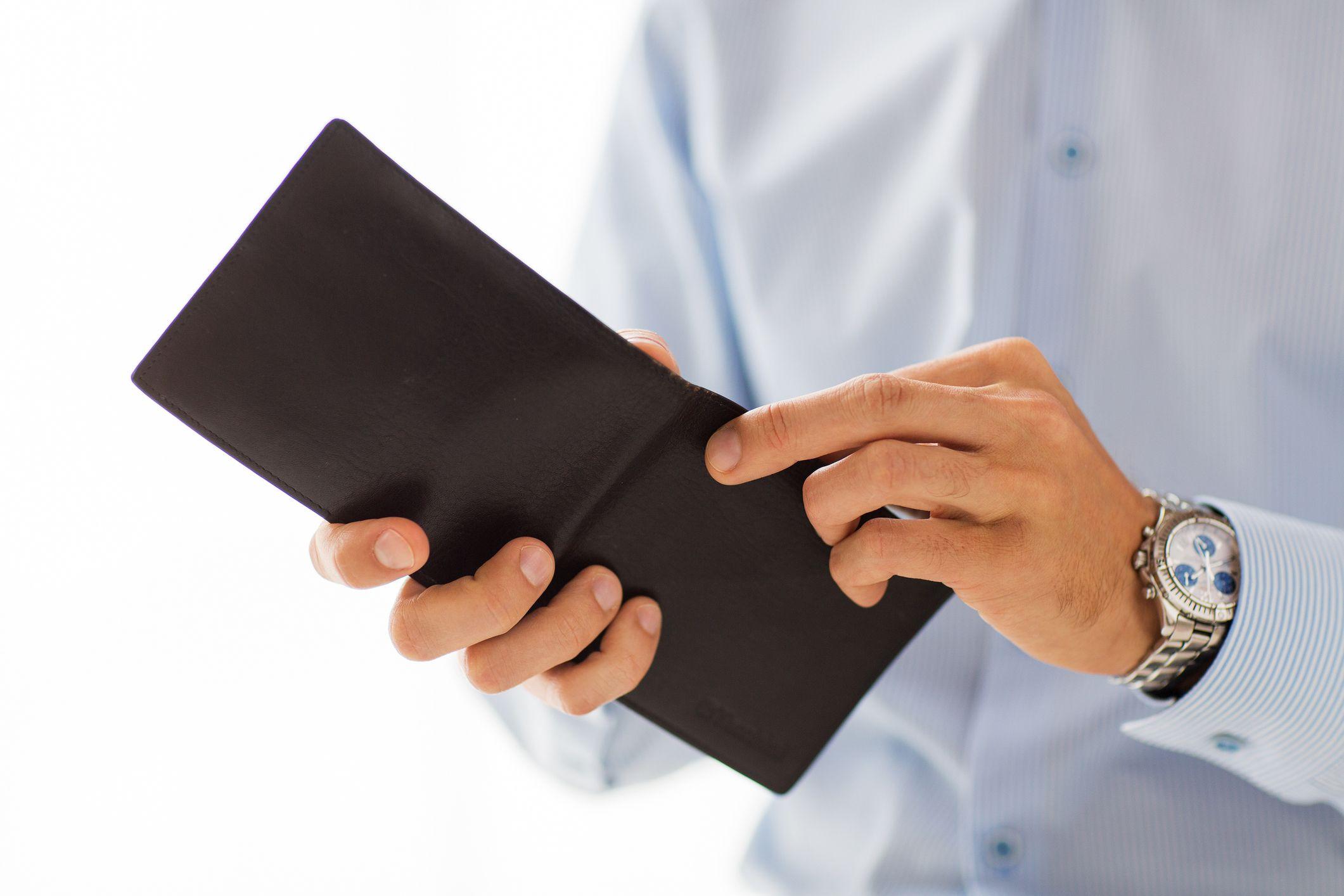 2 tys. zł brutto dla samozatrudnionych i na umowach zlecenie lub o dzieło