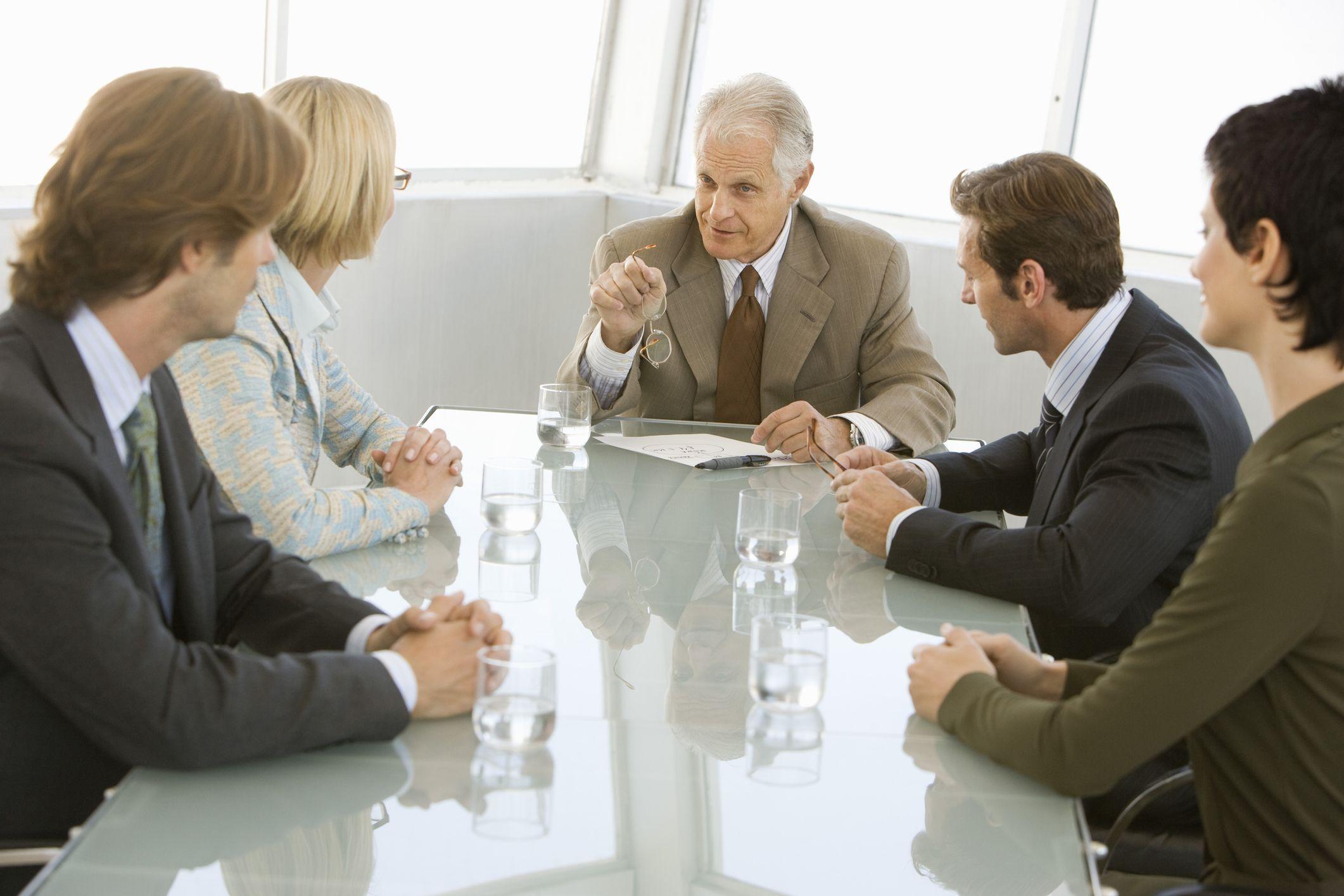 Brak absolutorium dla członków zarządu spółki – czym grozi i co powoduje w spółce