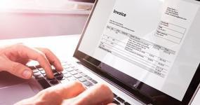 Czy kody CN oraz numer PKWiU 2015 należy umieszczać na fakturach po 1 lipca 2020 roku?