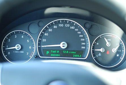Sprzedaż po pół roku używania auta w ramach majątku prywatnego bez przychodu z działalności