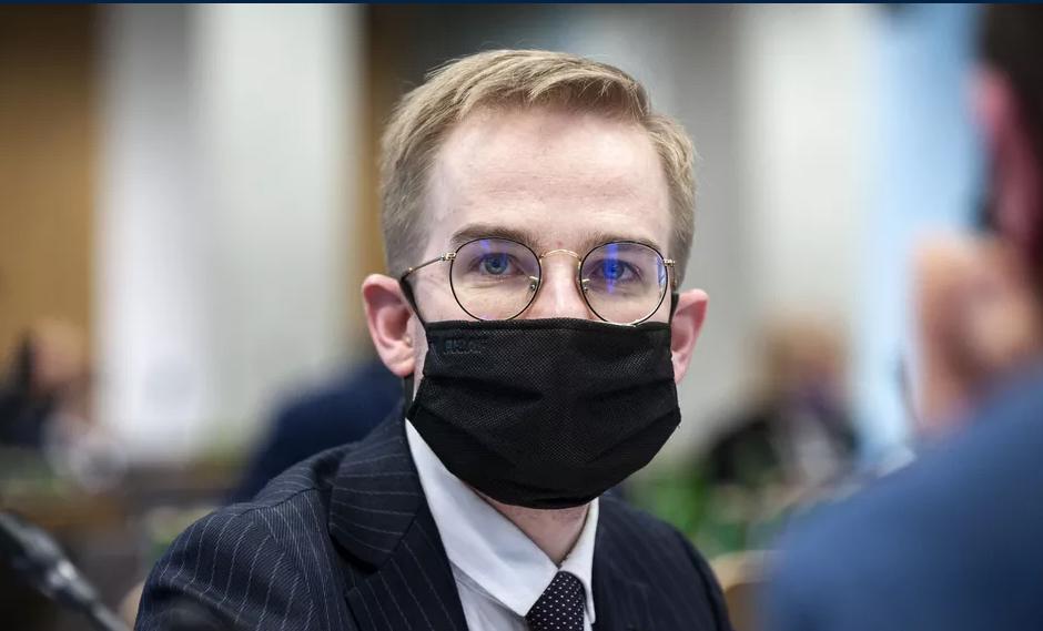 Samorządy nie stracą na Polskim Ładzie? MF da gwarancje comiesięcznych dochodów dla gmin