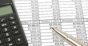Ewidencja kosztów i przychodów na przełomie miesiąca
