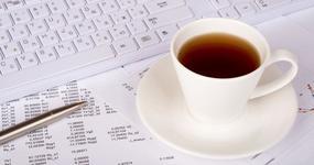 Brak rachunku bankowego i zapłata gotówką nie stanowią dowodu na fikcyjną transakcję