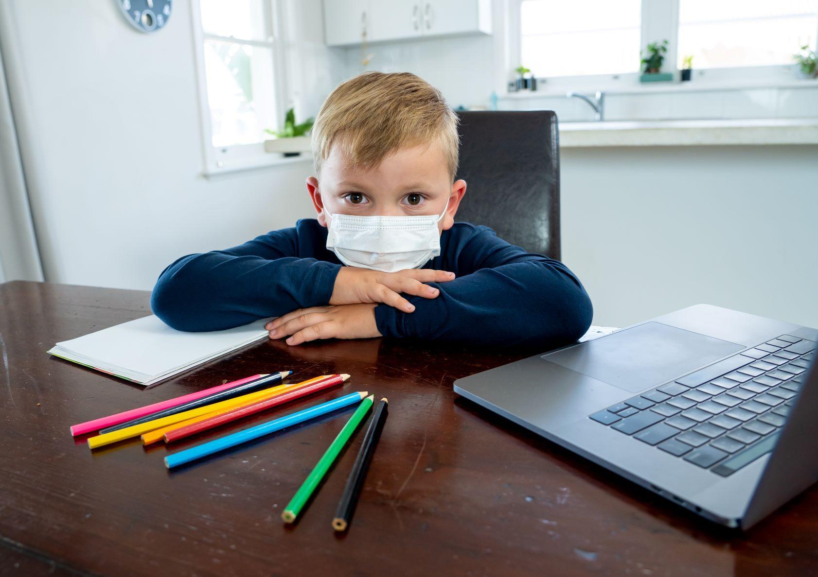 Czy zasiłek opiekuńczy wróci od 1 września 2020 r.? Czy pracujący rodzic może nie posyłać dzieci do szkoły lub przedszkola?