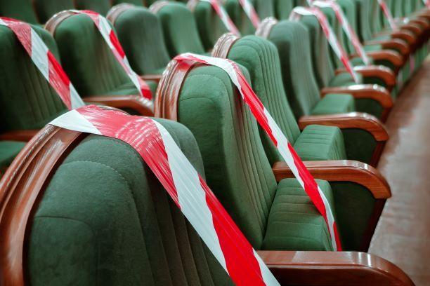 Senat przyjął poprawki do tarczy turystycznej, w tym zwolnienie z ZUS