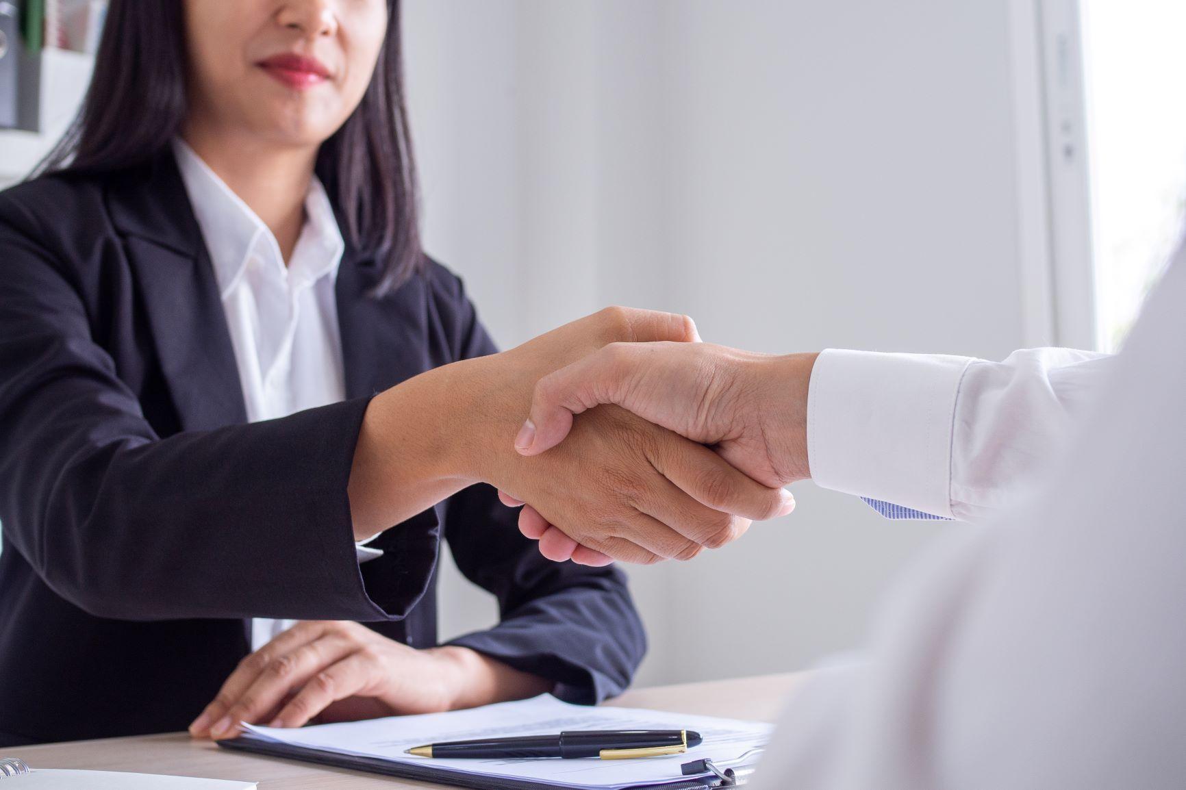 Uchylenie limitów zatrudnienia terminowego w umowie o pracę