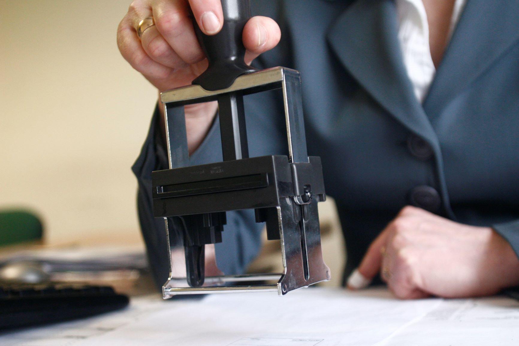 Zasady przekazywania na żądanie urzędników ksiąg podatkowych wformie JPK