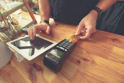 Kasy online dla branży hotelarskiej i gastronomicznej dopiero od 1 stycznia 2021 roku