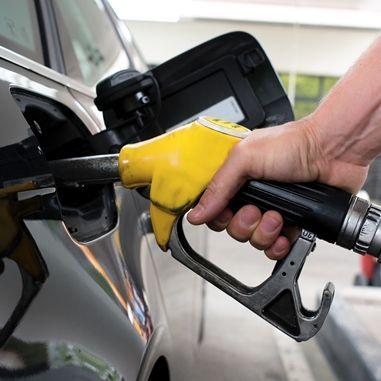 Odliczanie 50% VAT od aut i paliwa tylko do końca 2016? A potem…