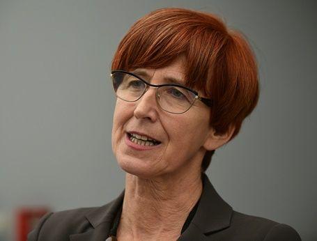 Minister rodziny i pracy o pieniądzach na dziecko i wieku emerytalnym