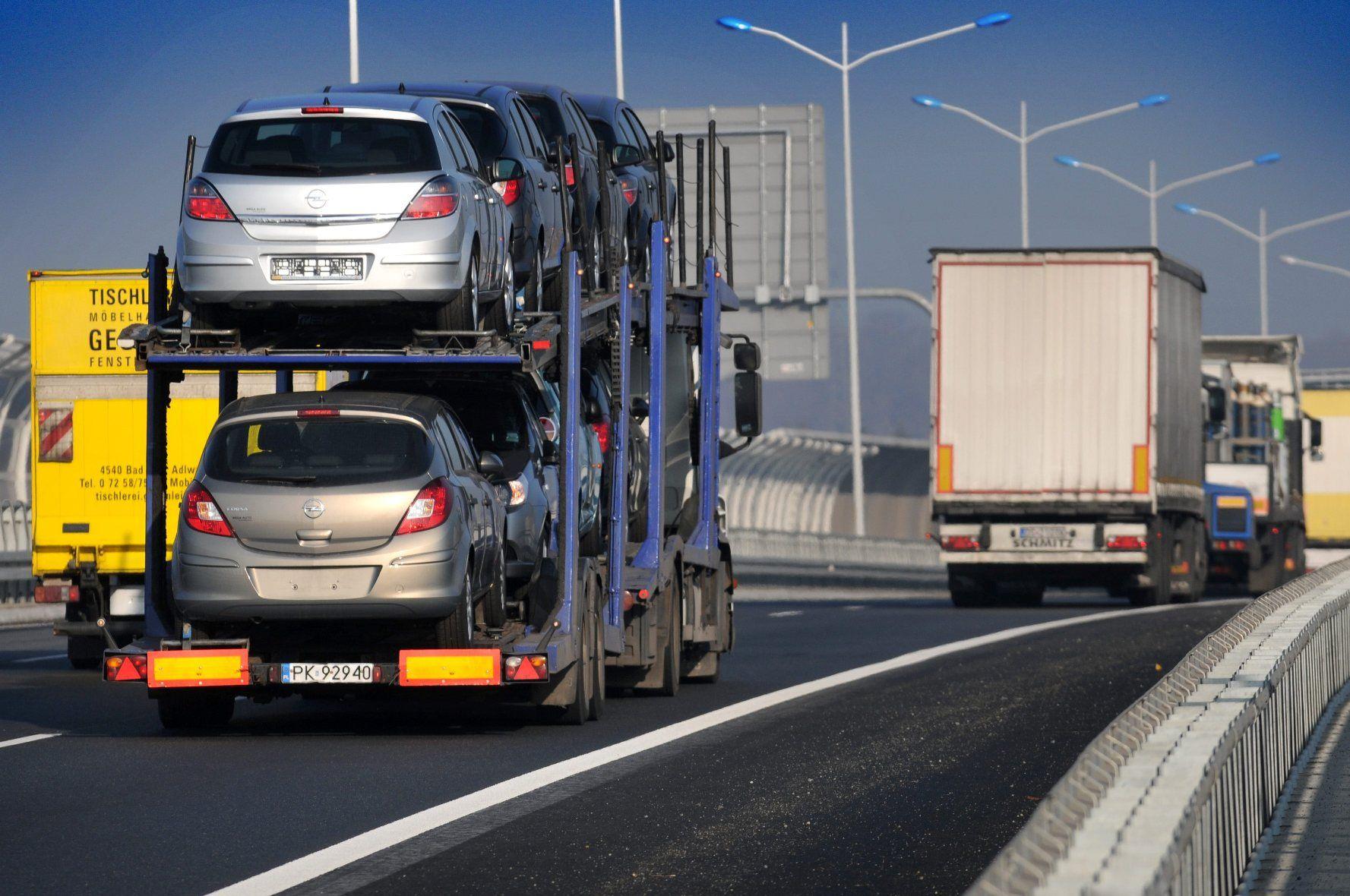 Kwestie celno-podatkowe importu samochodów osobowych